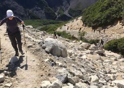 Caminata a las bases de las Torres