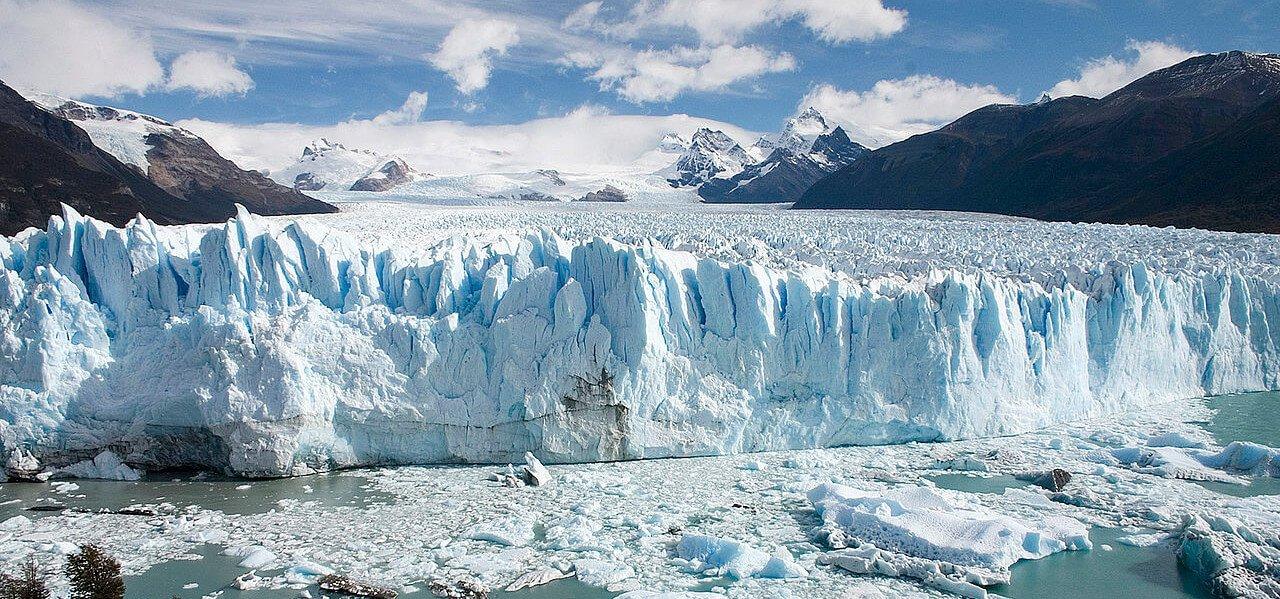 Caminatas Torres del Paine y Glaciar Perito Moreno