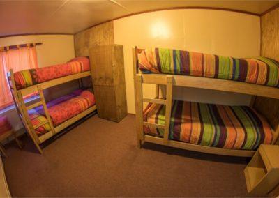 Hostal - Habitación cuádruple baño privado