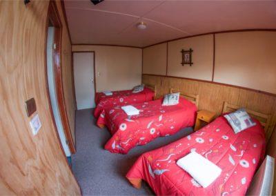 Hostal - Habitación triple baño privado