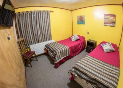 Hostal - Habitación twin baño privado